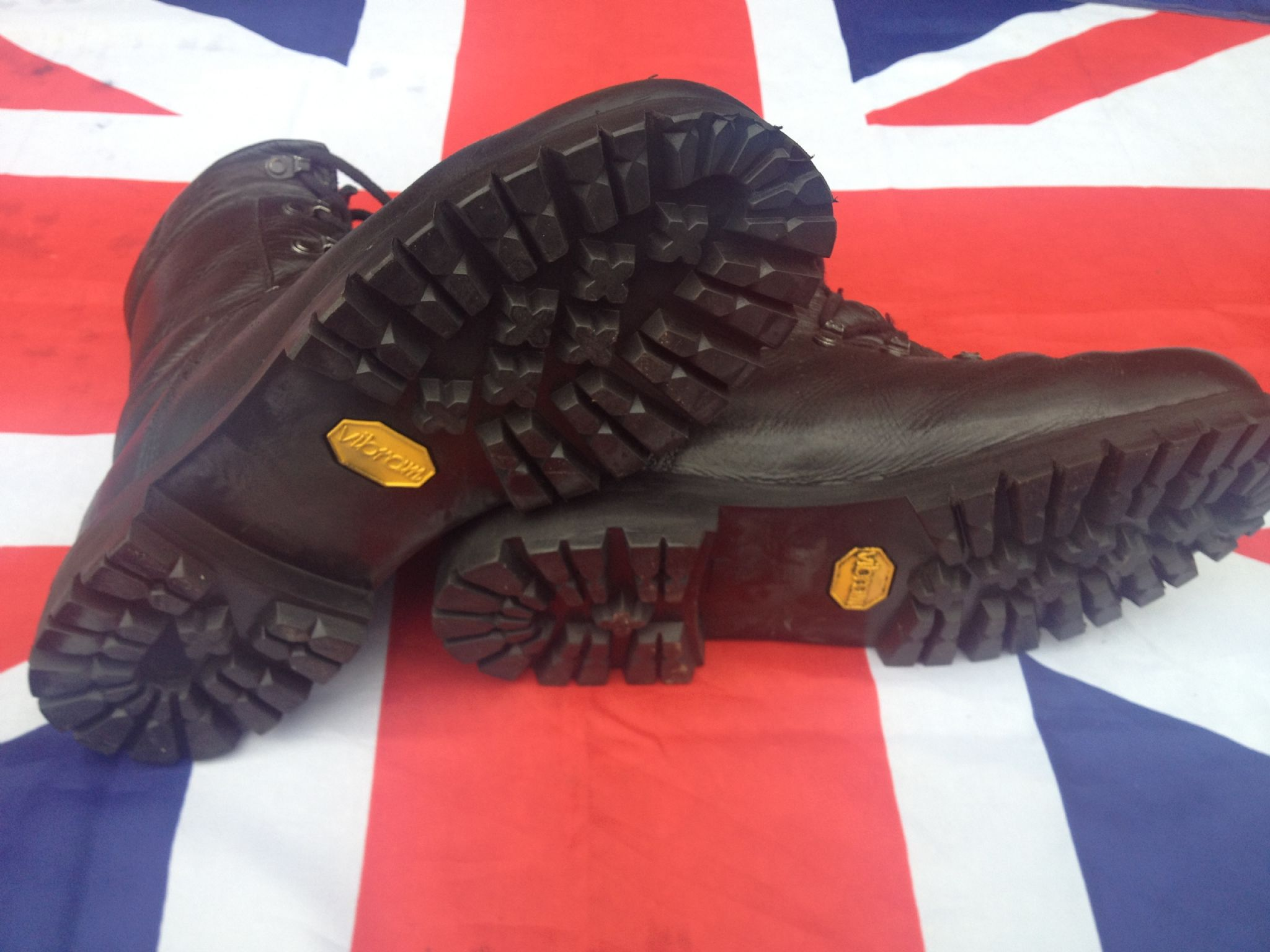 GERMAN PARA BOOTS MK4 GRADE 1 WITH NEW VIBRAM SOLE FITTED